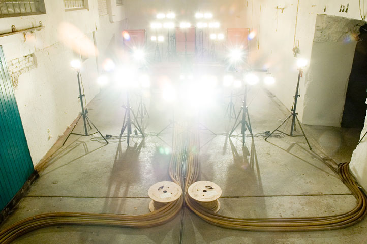 Idan Hayosh - F-18 display (Lamps #10), 2007. Sound Installation. Formation of high wattage lamps. The lamps' electric current sound is looped loudly through a sound system.